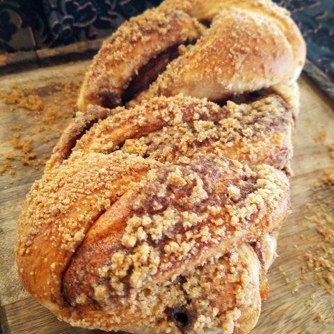 Cinnamon Babka w/Cinnamon Streusel